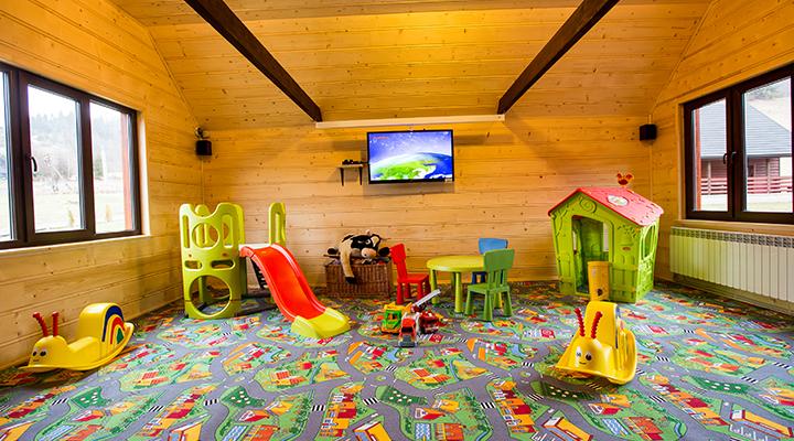 Przytulna sala zabaw w Bieszczadach