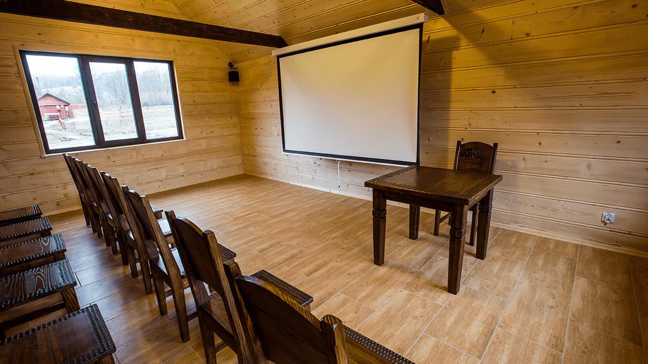 Konferencje i wykłady w specjalnej oddzielnej sali